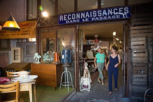 LE PASSAGE DES BROCANTEURS, PLACE SAINT-MICHEL, VILLE DE BORDEAUX, GIRONDE (33), FRANCE