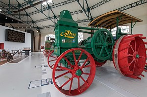RUMELY OILPULL TRACTOR (1922), COLLECTION DE TRACTEURS ANCIENS, MUSEE DU COMPA, CONSERVATOIRE DE L'AGRICULTURE, CHARTRES (28), FRANCE