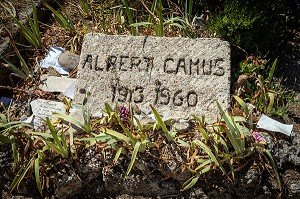 GRAVE OF ALBERT CAMUS (1913-1960), CEMETERY OF LOURMARIN, VAUCLUSE, LUBERON, FRANCE