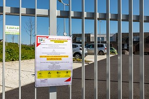 VISITES SUSPENDUES AUX RESIDENTS DE L'EHPAD, MESURES SANITAIRES DE PREVENTION FACE A LA GRIPPE ET CORONAVIRUS, RUGLES, EURE, NORMANDIE, FRANCE